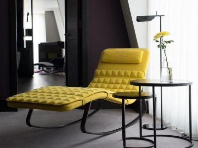 SUITE_CHAIR